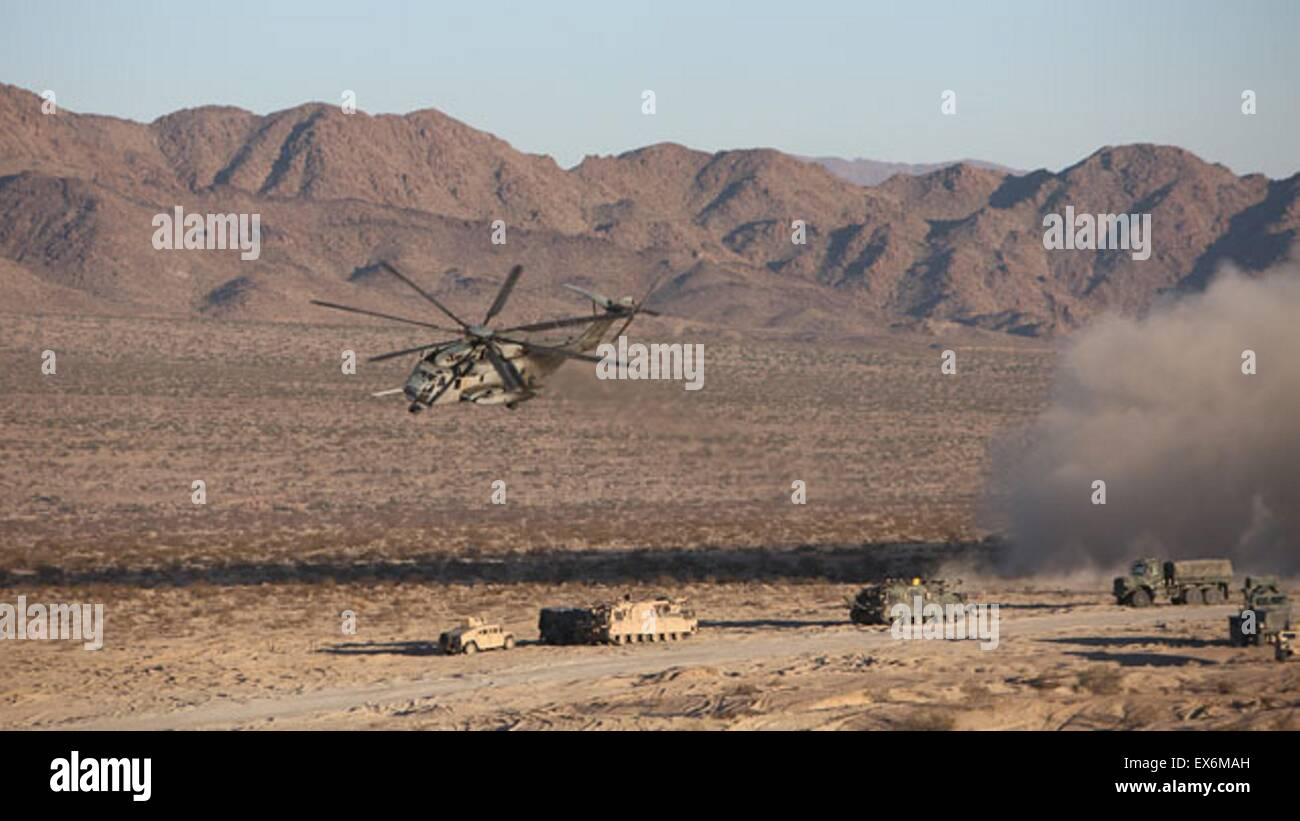 A CH-53E Sea Stallion Helicopter flies in for a simulated medical evacuation during the Tank Mechanized Assault - Stock Image