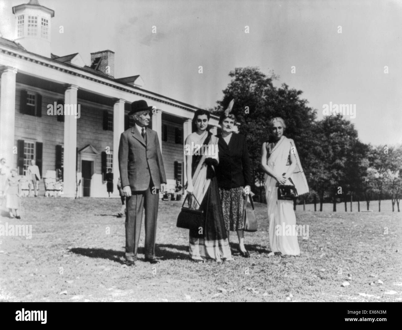 Jawaharlal Nehru Prime Minister of India with his daughter Indira Gandhi and his sister at Mount Vernon, in USA - Stock Image