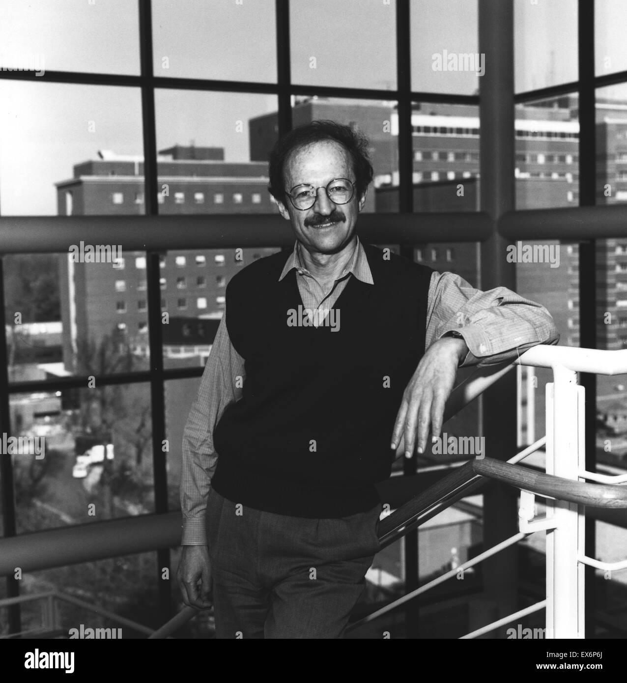 Harold Varmus at NIH National Institutes of Health 1995 - Stock Image