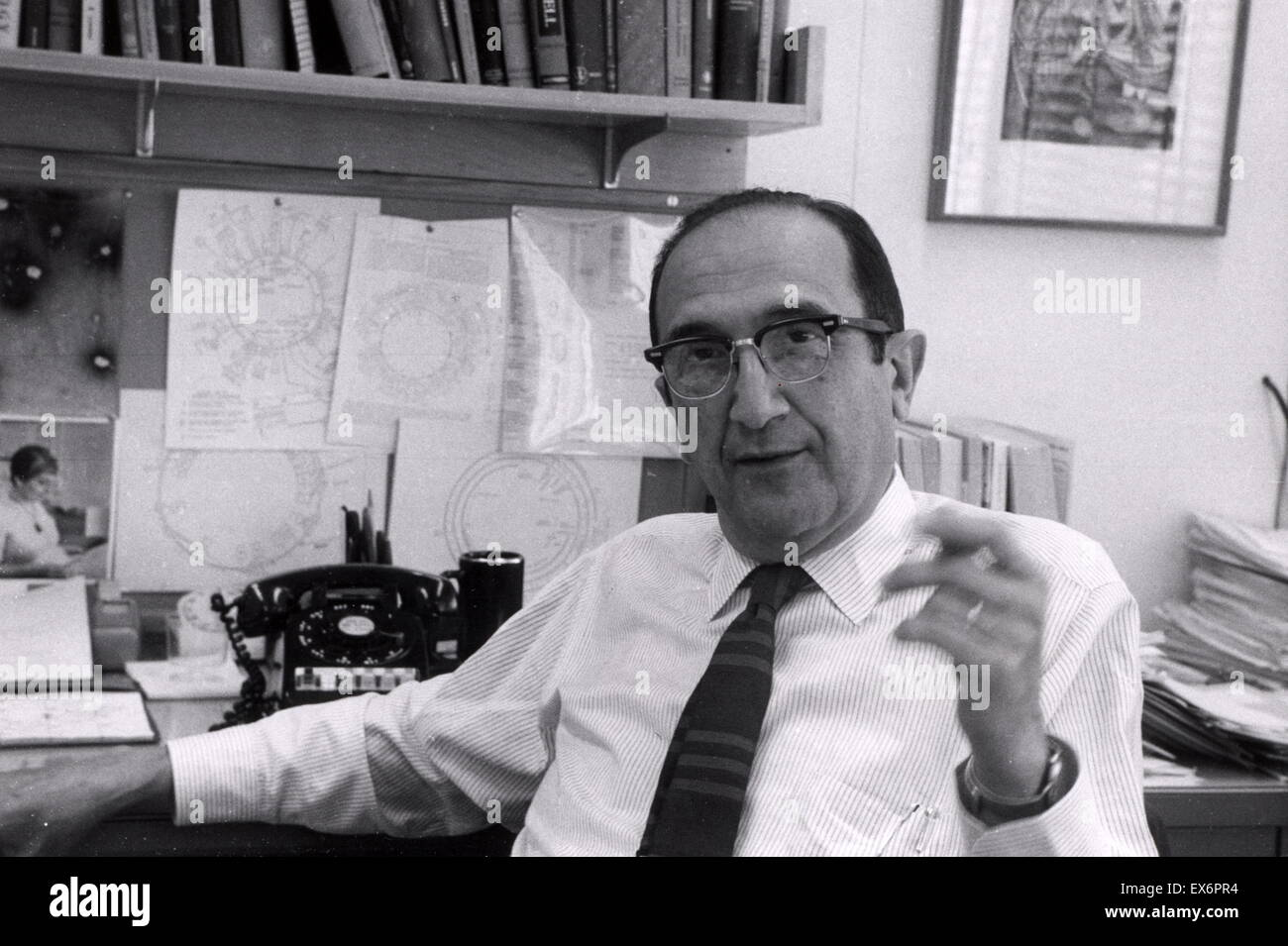 Salvador Luria in his office at MIT in Boston 1967. Salvador Edward Luria (1912 – 1991) Italian genetics researcher and microbiologist, later a naturalized American citizen. He won the Nobel Prize in Physiology or Medicine in 1969 Stock Photo