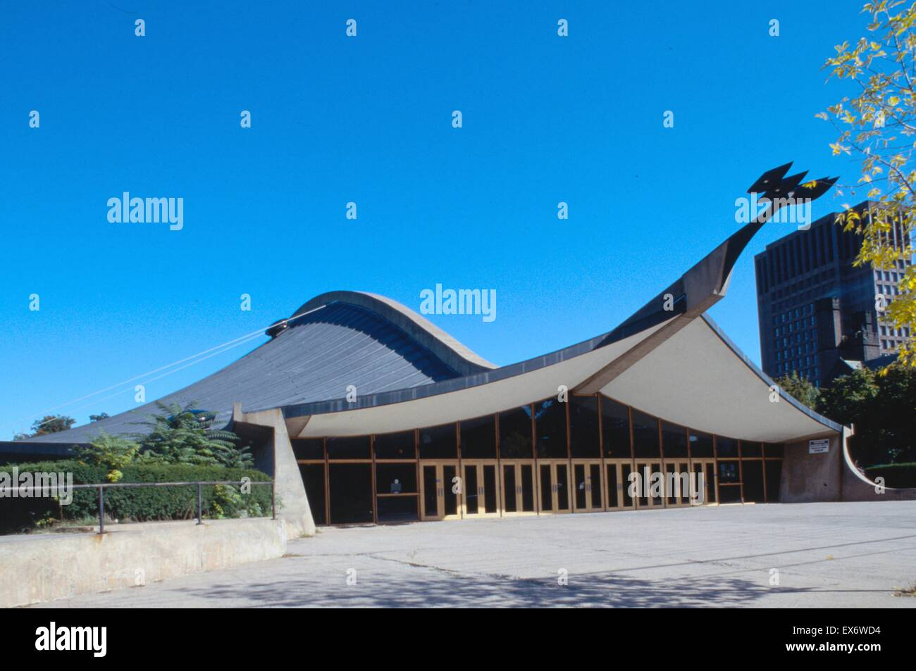 Photograph of Yale University, David S. Ingalls Hockey Rink, New Haven, Connecticut. Photographed by Balthazar Korab - Stock Image