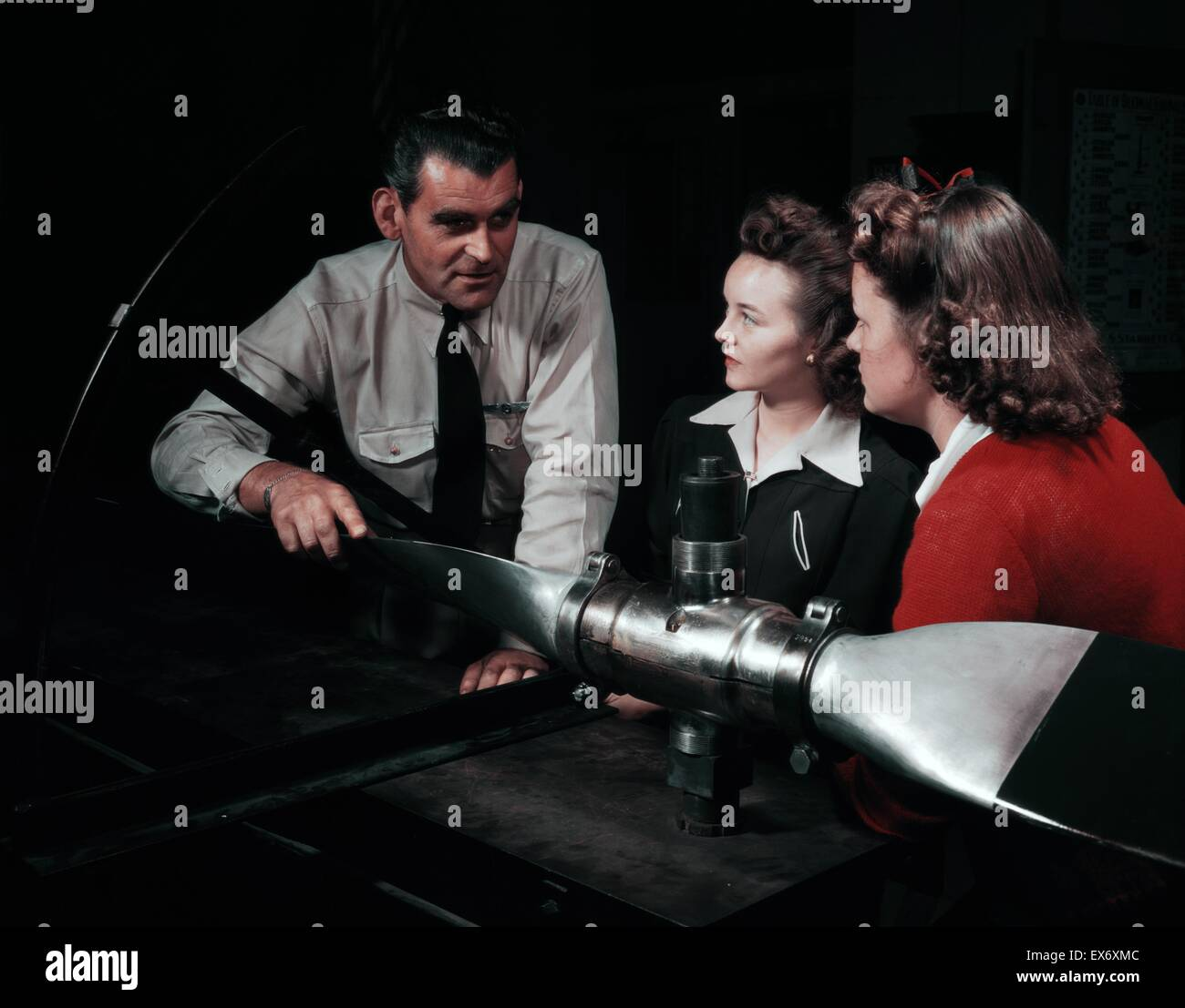 World War Two women in aeronautics class held at Washington High School, Los Angeles, California1942 - Stock Image