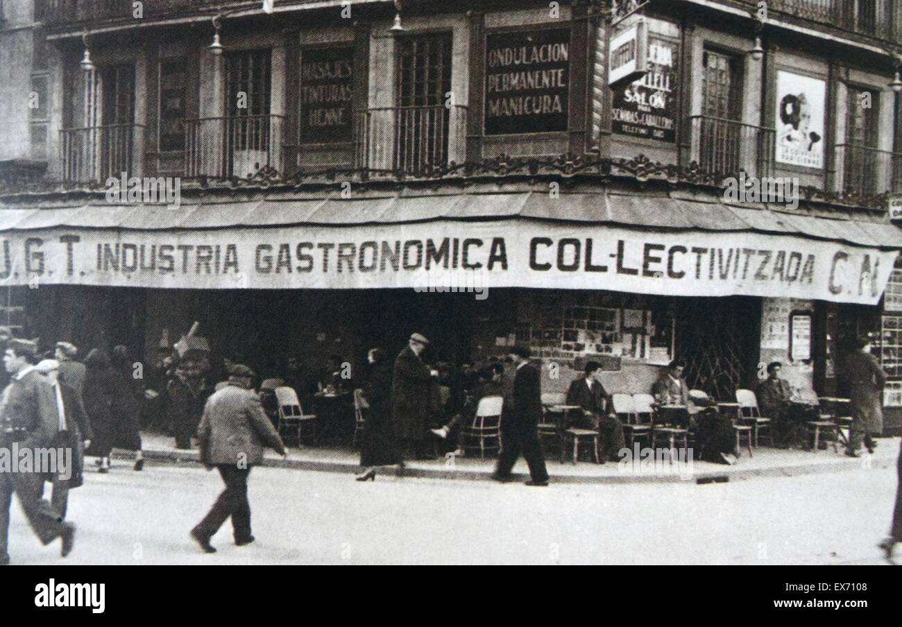 Collective food and general store in Barcelona owned by the CNT-FAI during the Spanish civil war - Stock Image