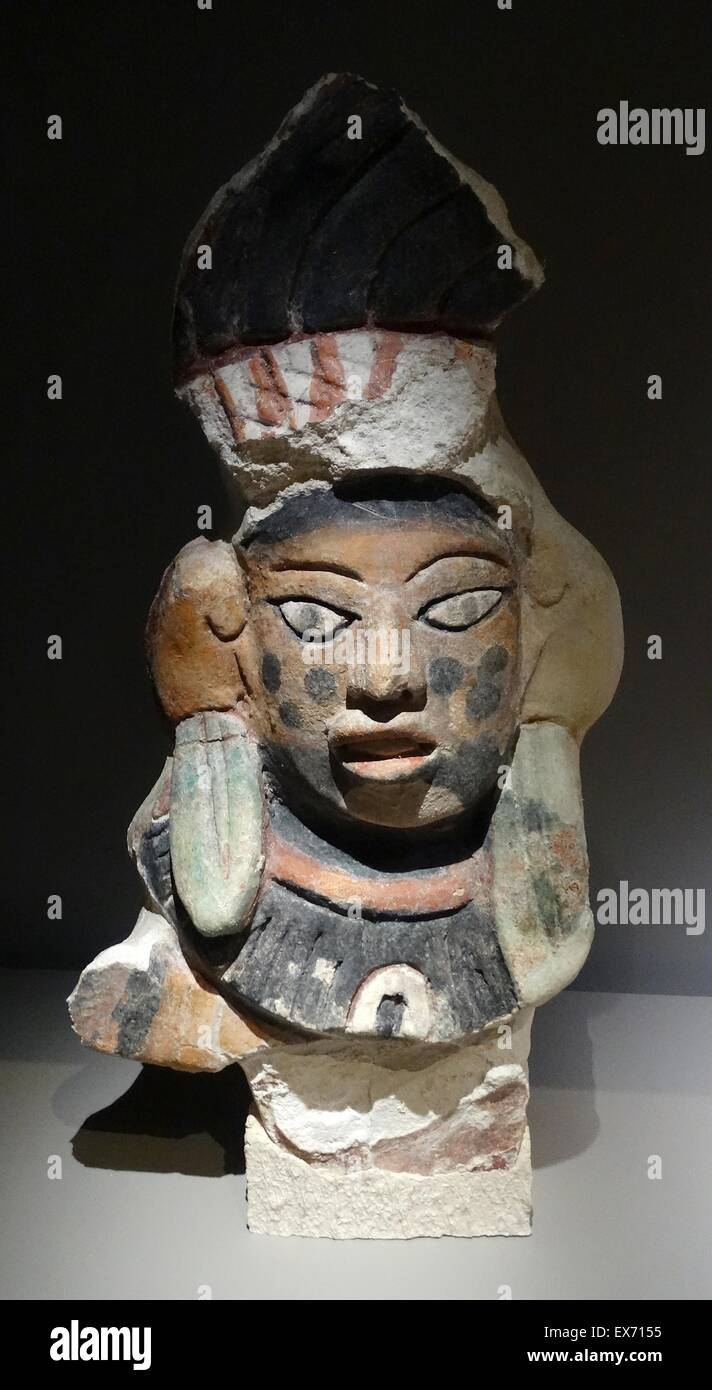 Mayan polychrome stucco sculpture with anthropomorphic features from Oxtankah, Mexico 600-900 AD - Stock Image