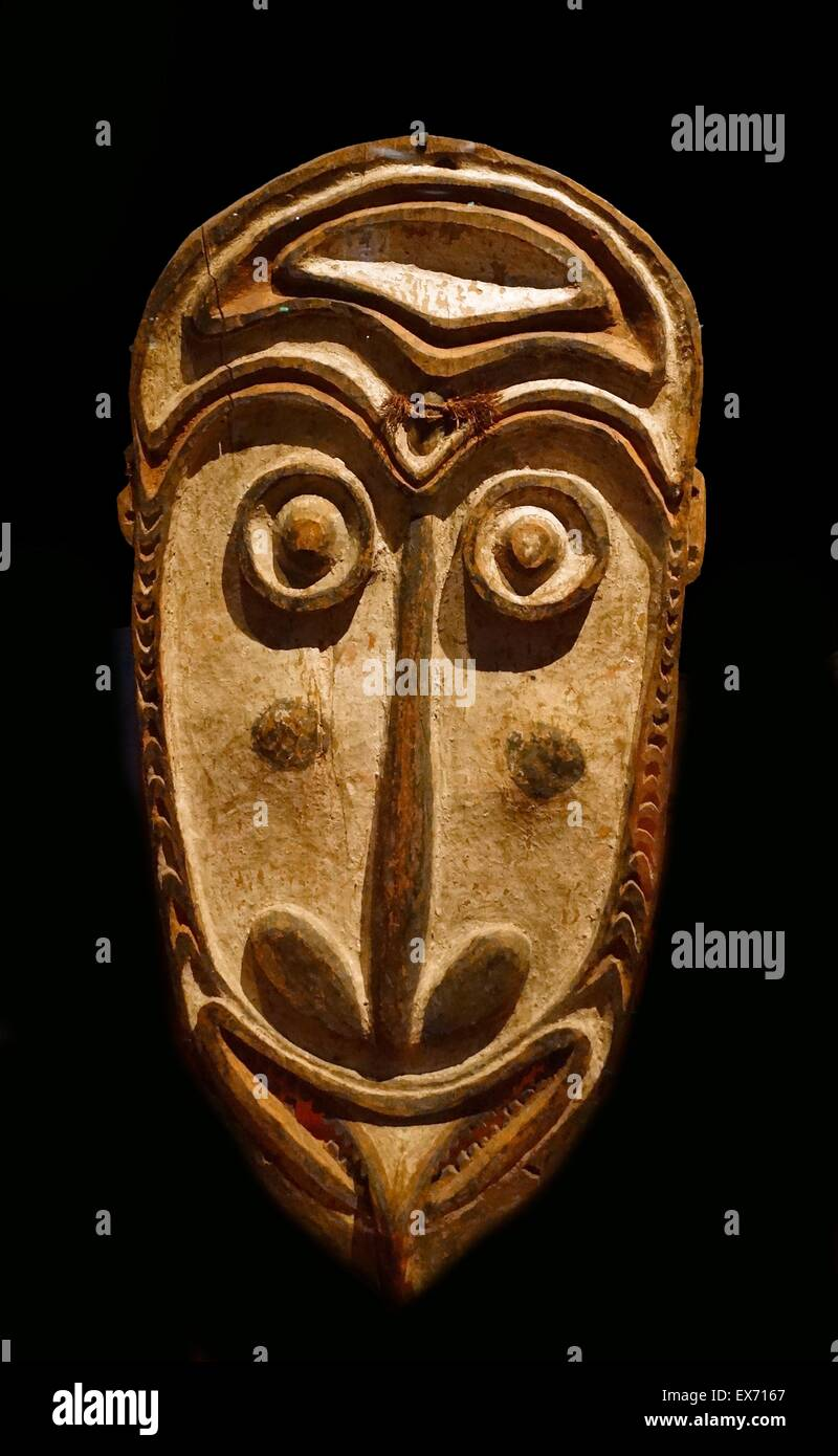 Mask from the Chambri (previously spelled Tchambuli) are an ethnic group in the Chambri Lakes region in the East Stock Photo