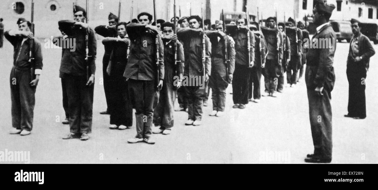 Communist militia in training during the Spanish Civil War - Stock Image