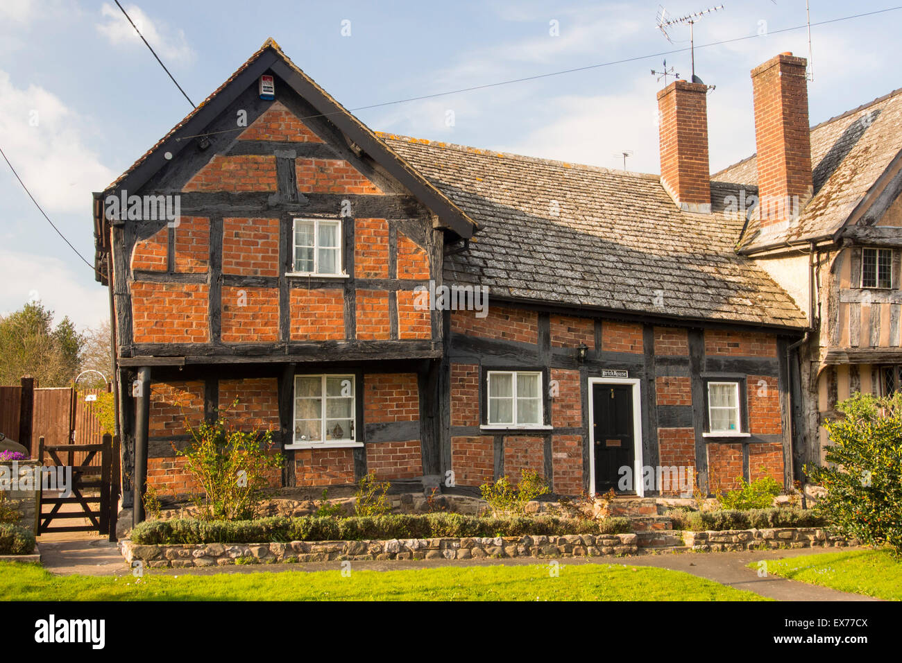 Tudor Timber Framed Houses Stock Photos & Tudor Timber Framed Houses ...