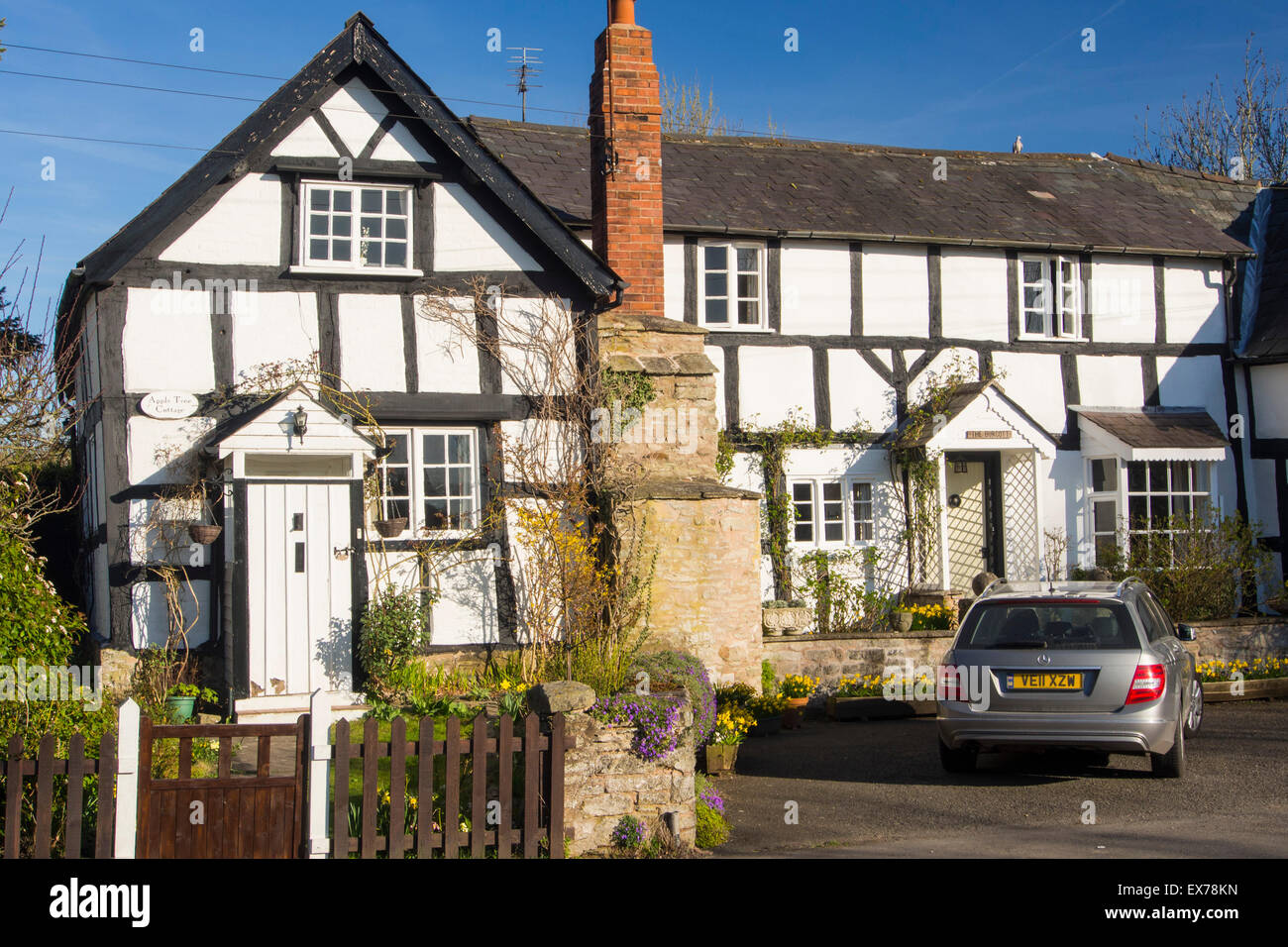An ancient medieval Tudor timber framed house in Eardisland, Herefordshire, UK. Eardisland has been voted the prettiest - Stock Image