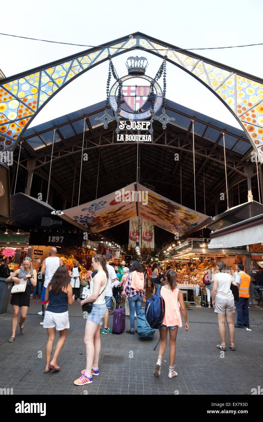 La Boqueria Barcelona - Entrance to La Boqueria market, Las Ramblas, Barcelona Spain Europe - Stock Image