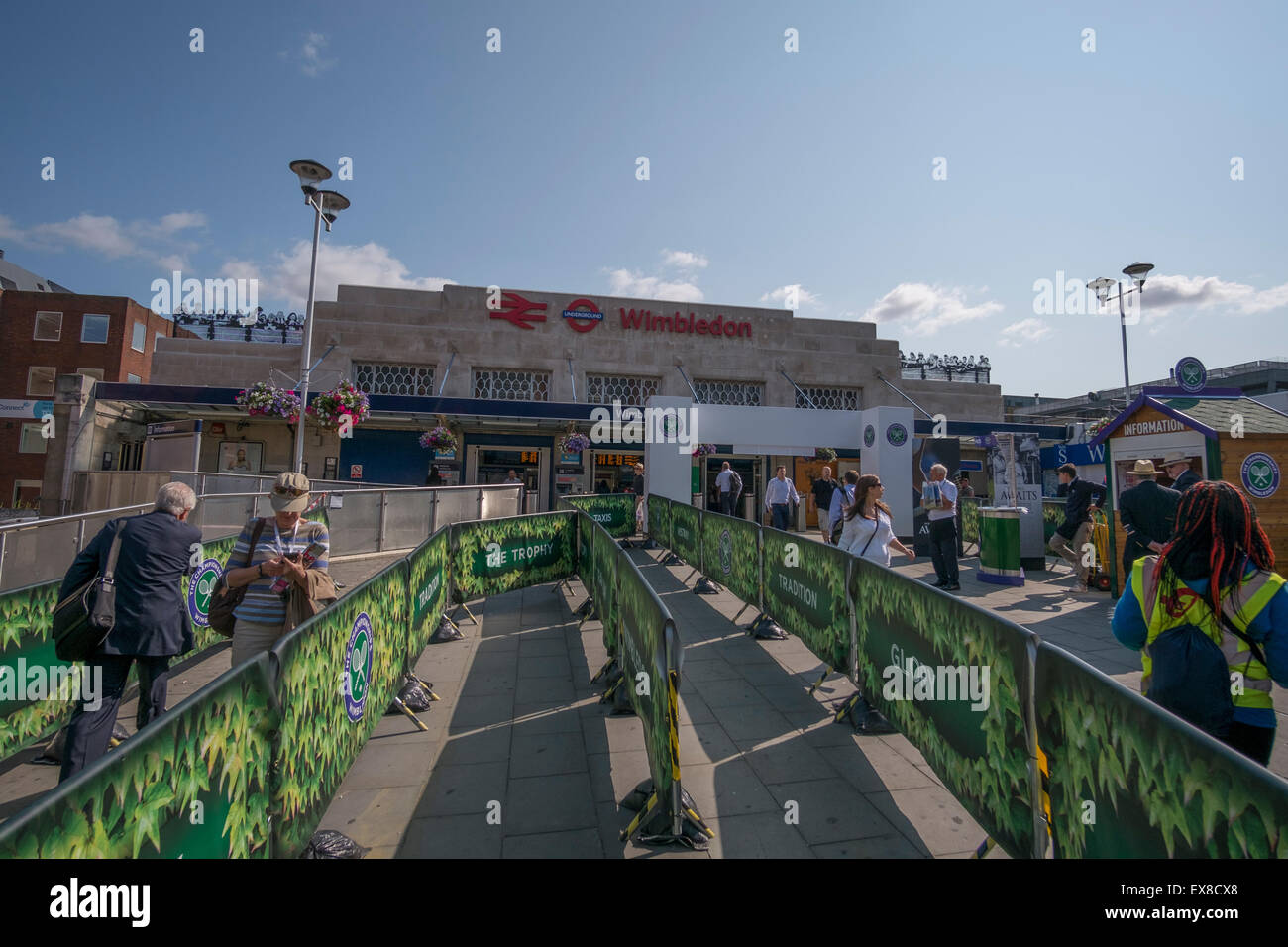Wimbledon, London UK. 9th July 2015. Tube strike affecting Wimbledon station, terminus station of the District Line, - Stock Image