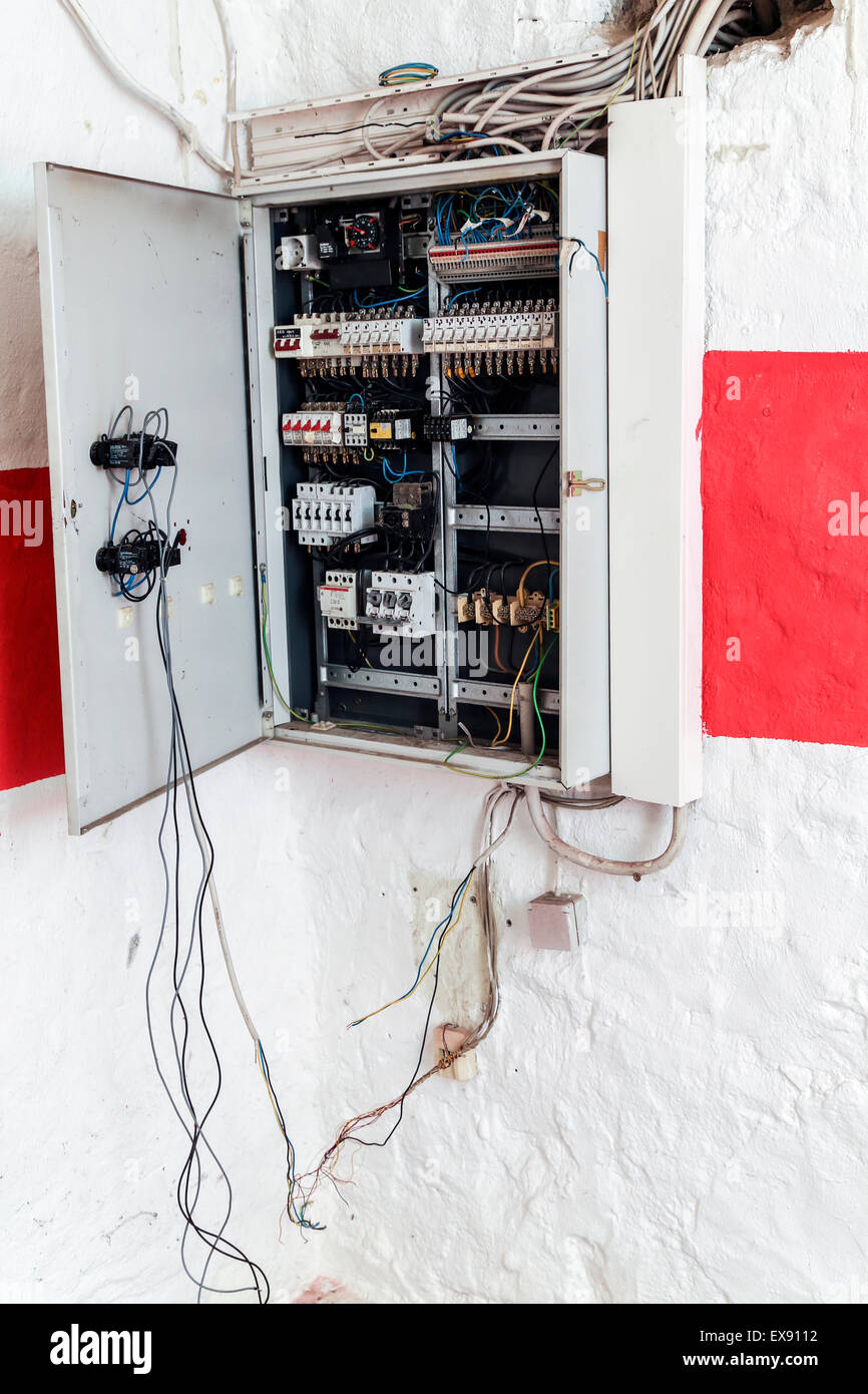 Terrific Open Fuse Box Wiring Diagram Wiring Cloud Oideiuggs Outletorg
