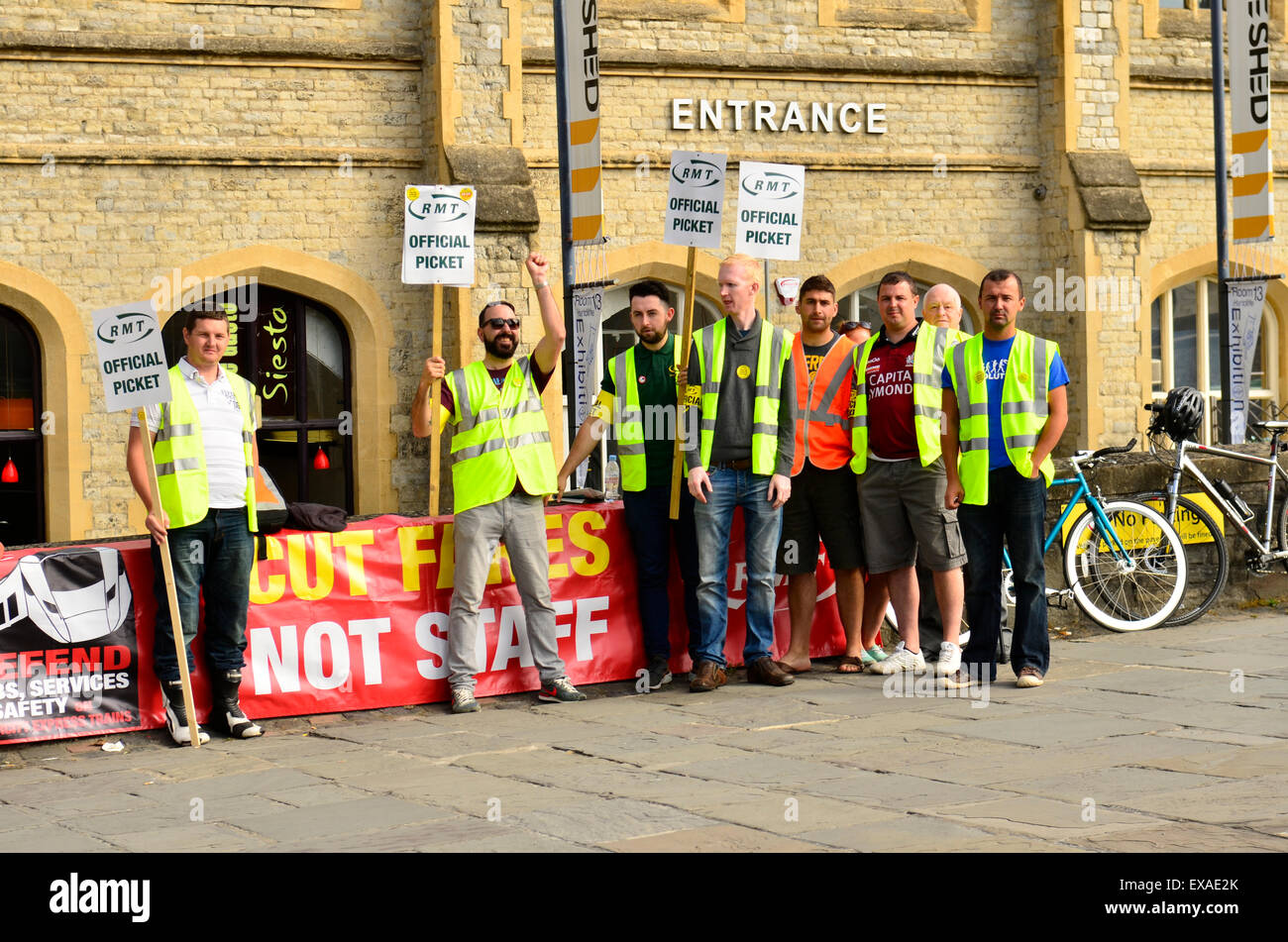 Picket Line Stock Photos & Picket Line Stock Images - Alamy