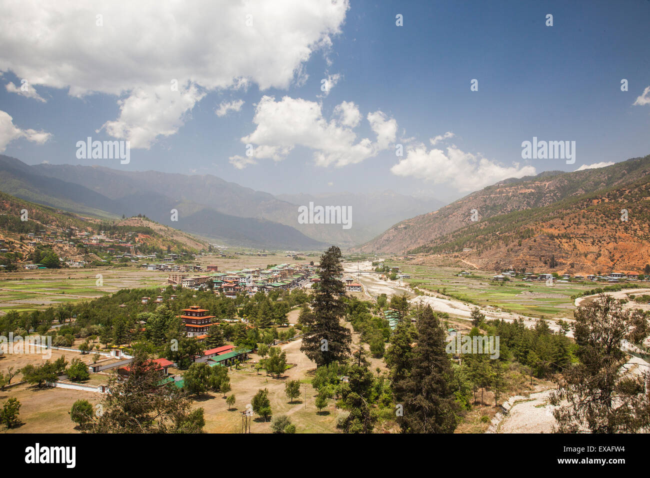 The Paro valley extends westward closer to the peaks that rise on the Tibetan border, Bhutan, Himalayas - Stock Image