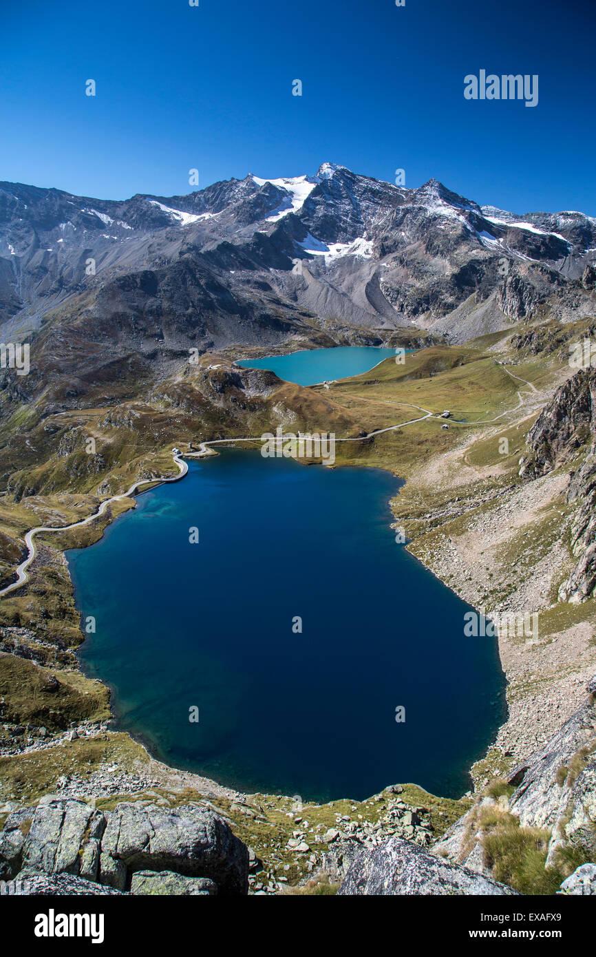 View of Lake Agnel and Lake Serru, Colle del Nivolet, Ceresole Reale, Alpi Graie (Graian Alps), Piedmont, Italy, - Stock Image
