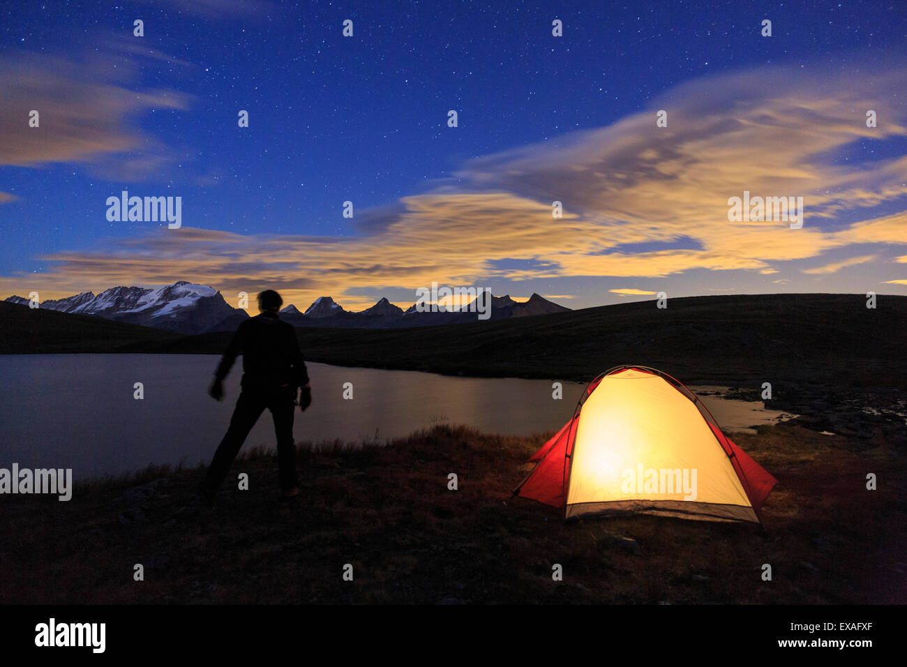 Camping under the stars on Rosset Lake at an altitude of 2709 meters, Gran Paradiso National Park, Alpi Graie, Italy - Stock Image