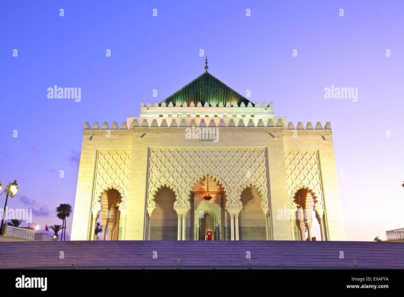 Mausoleum of Mohammed V at dusk, Rabat, Morocco, North Africa, Africa - Stock Image