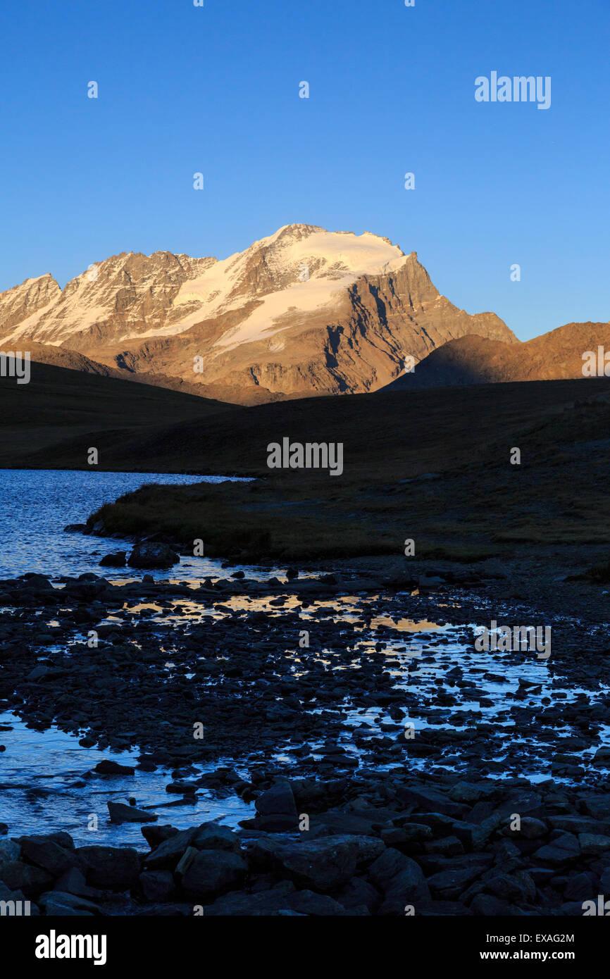 View of Colle del Nivolet, Gran Paradiso National Park, Alpi Graie (Graian Alps), Italy, Europe - Stock Image