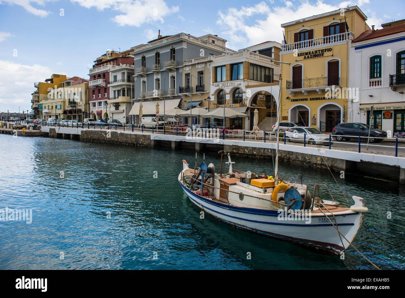 Lake Voulismeni, Agios Nikolaos, Crete, Greek Islands, Greece, Europe - Stock Image
