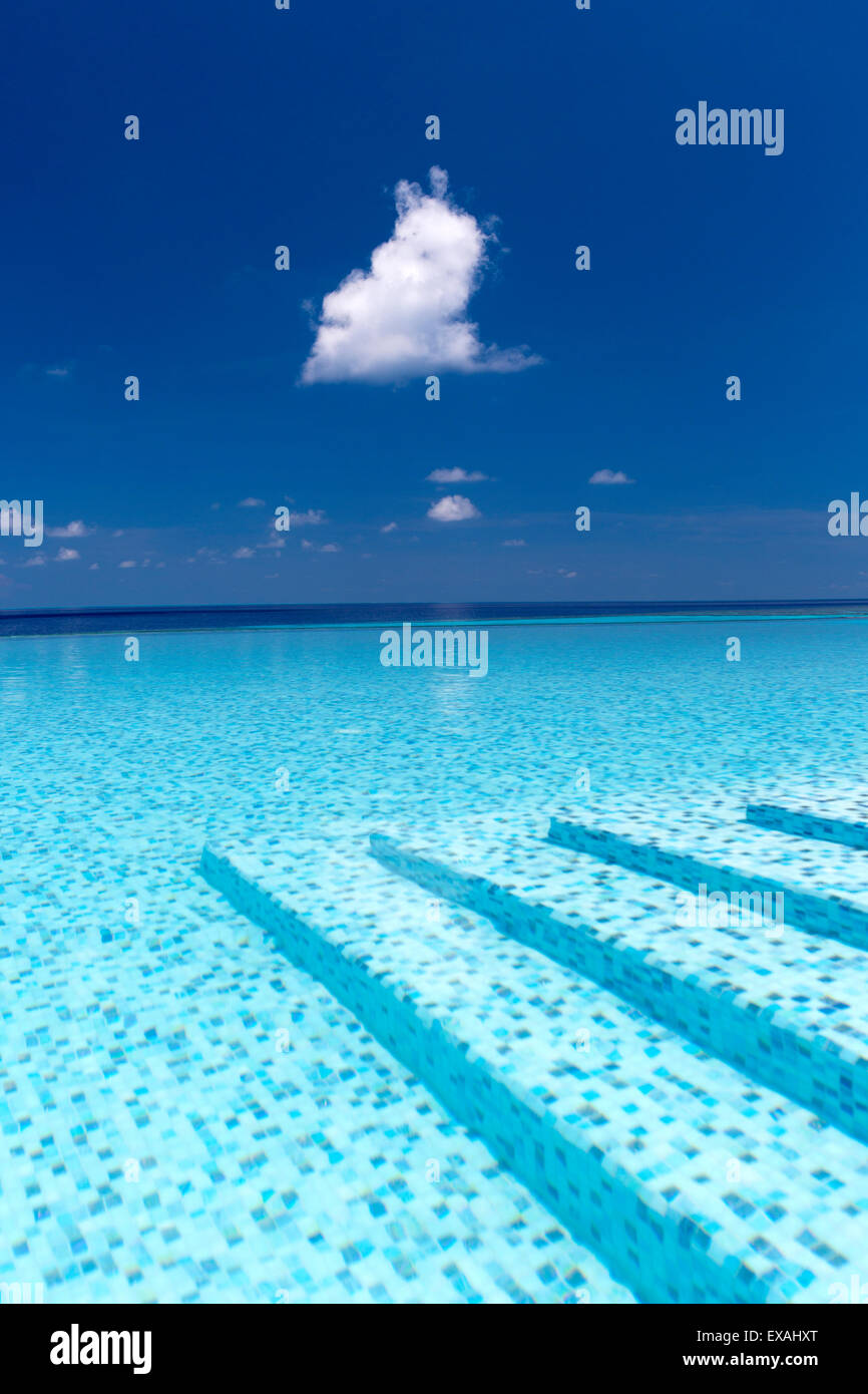 Infinity pool in the Maldives, Indian Ocean, Asia - Stock Image