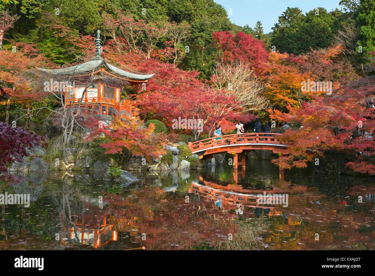 Kyoto Garden Autumn Stock Photos & Kyoto Garden Autumn Stock Images ...