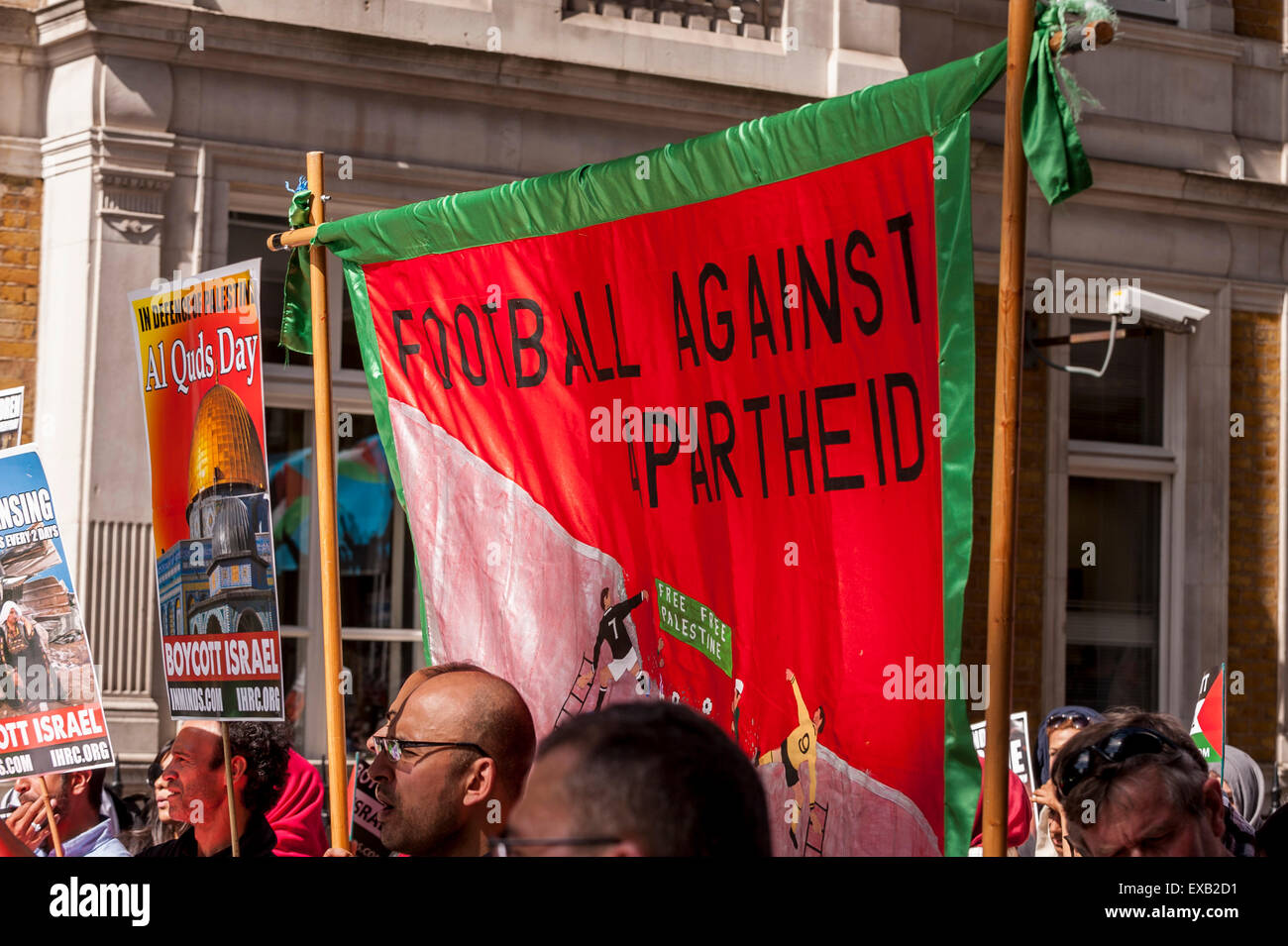London, UK. 10 July 2015.  Demonstrators gather outside the BBC building near Oxford Circus at the start of the - Stock Image
