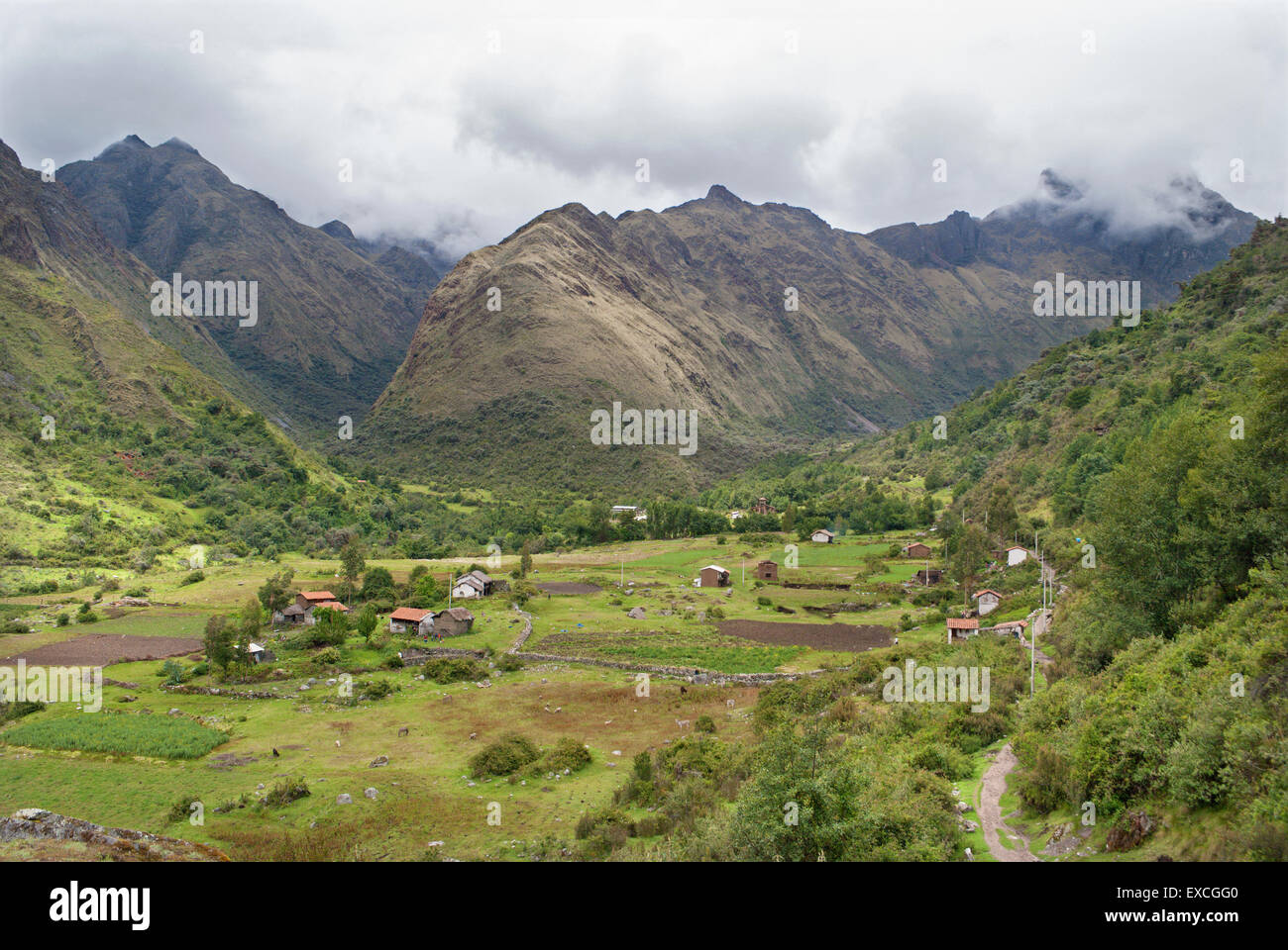 Colca Bamba village and valley - The begin of Santa Cruz in Cordillera Blanca in the Andes - Stock Image