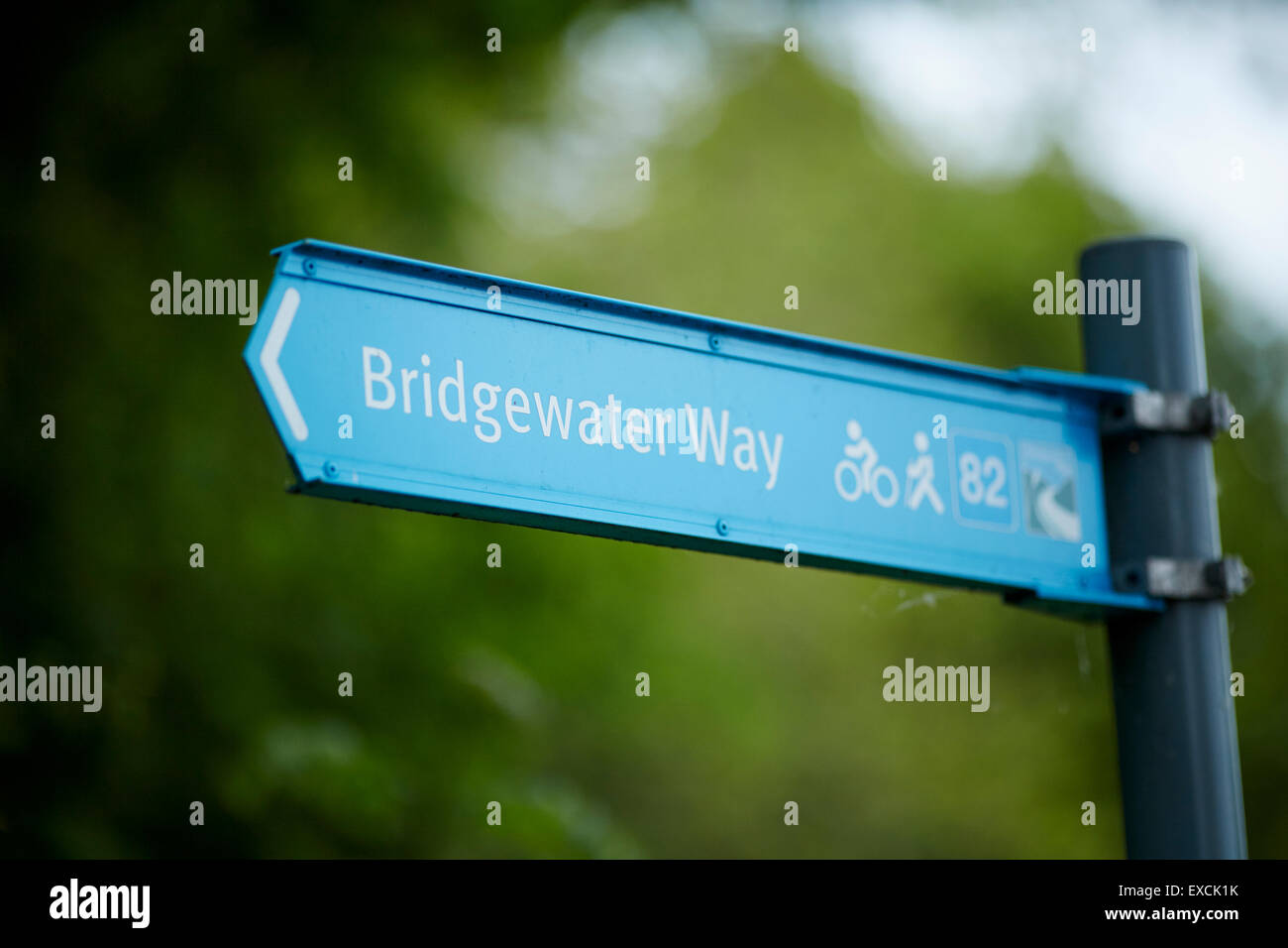 Bridgewater Canal blue metal destination sign in Runcorn  pointing - Stock Image