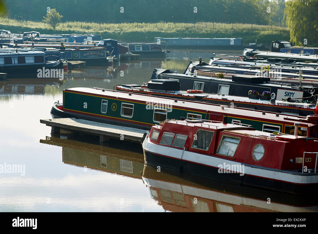 Morings on the Trent and Mersey Canal near the   The Anderton Boat Lift is a two caisson lift lock near the village - Stock Image