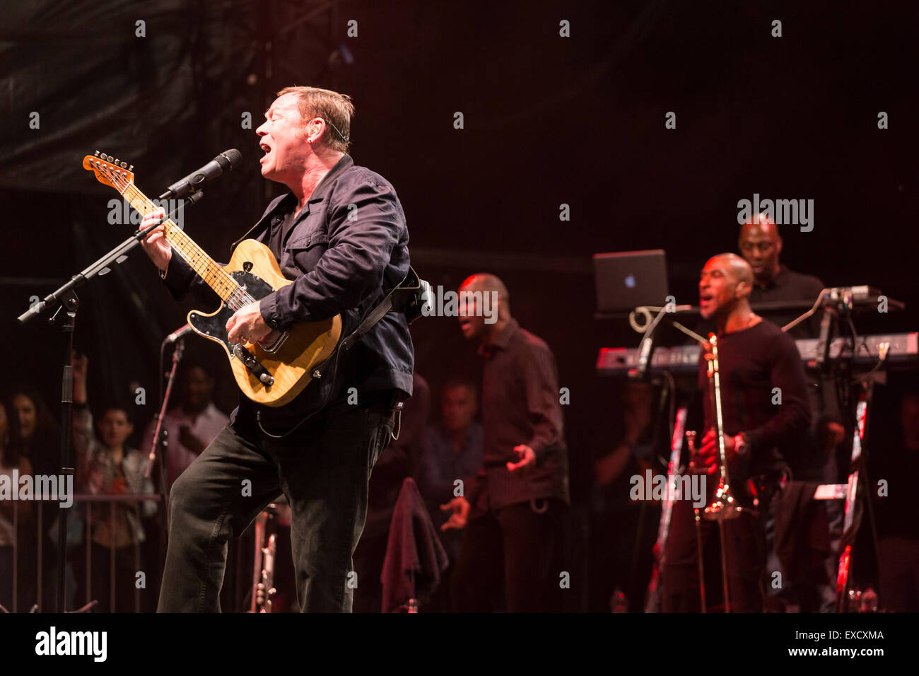 London, UK, 11th July 2015. UB40 Outdoor Concert, Kew Gardens Credit:  Robert Stainforth/Alamy Live News Stock Photo