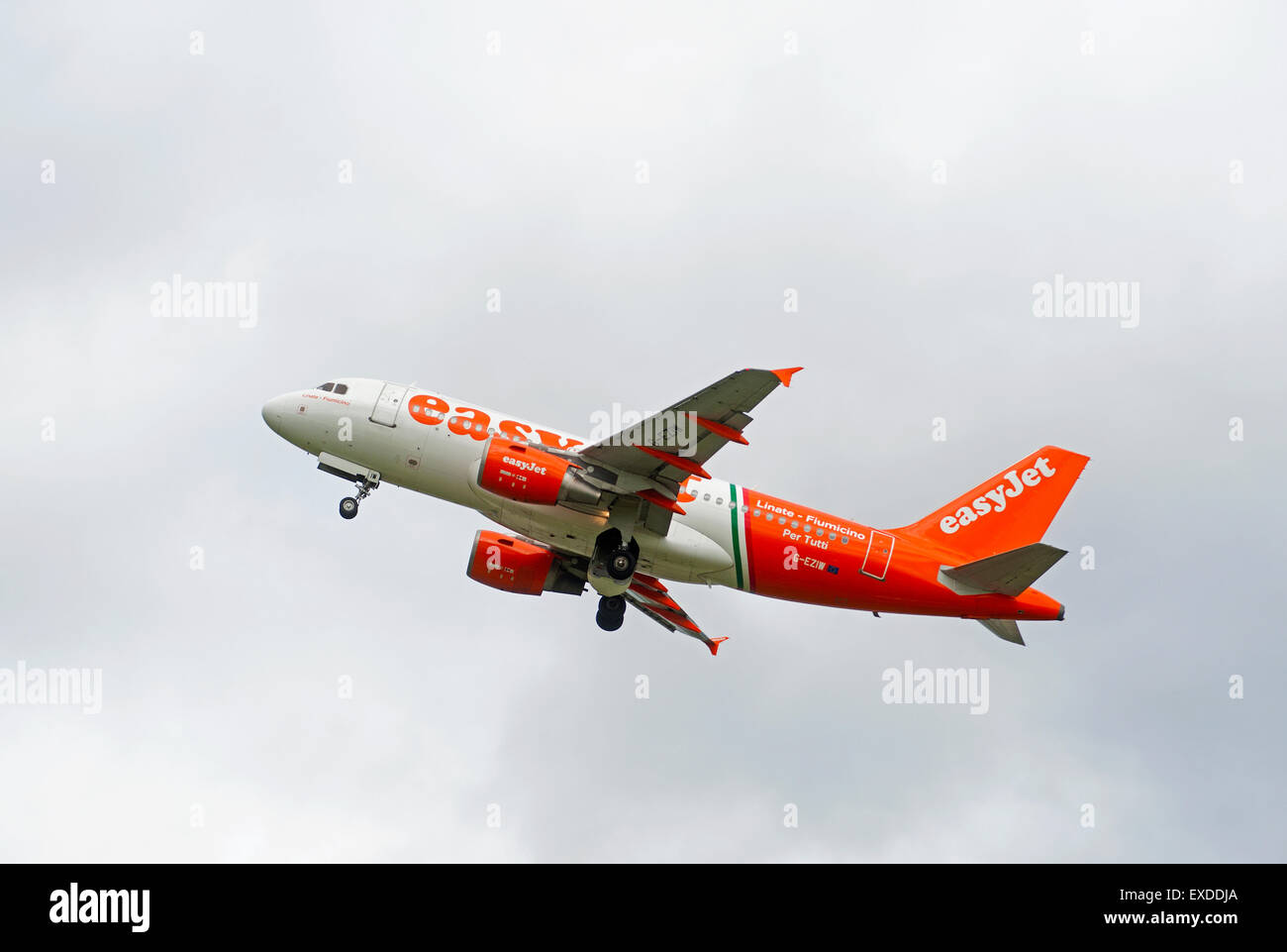EasyJet Airbus 319-111 leaving Inverness Dalcross airfield Scotland.  SCO 9935. - Stock Image