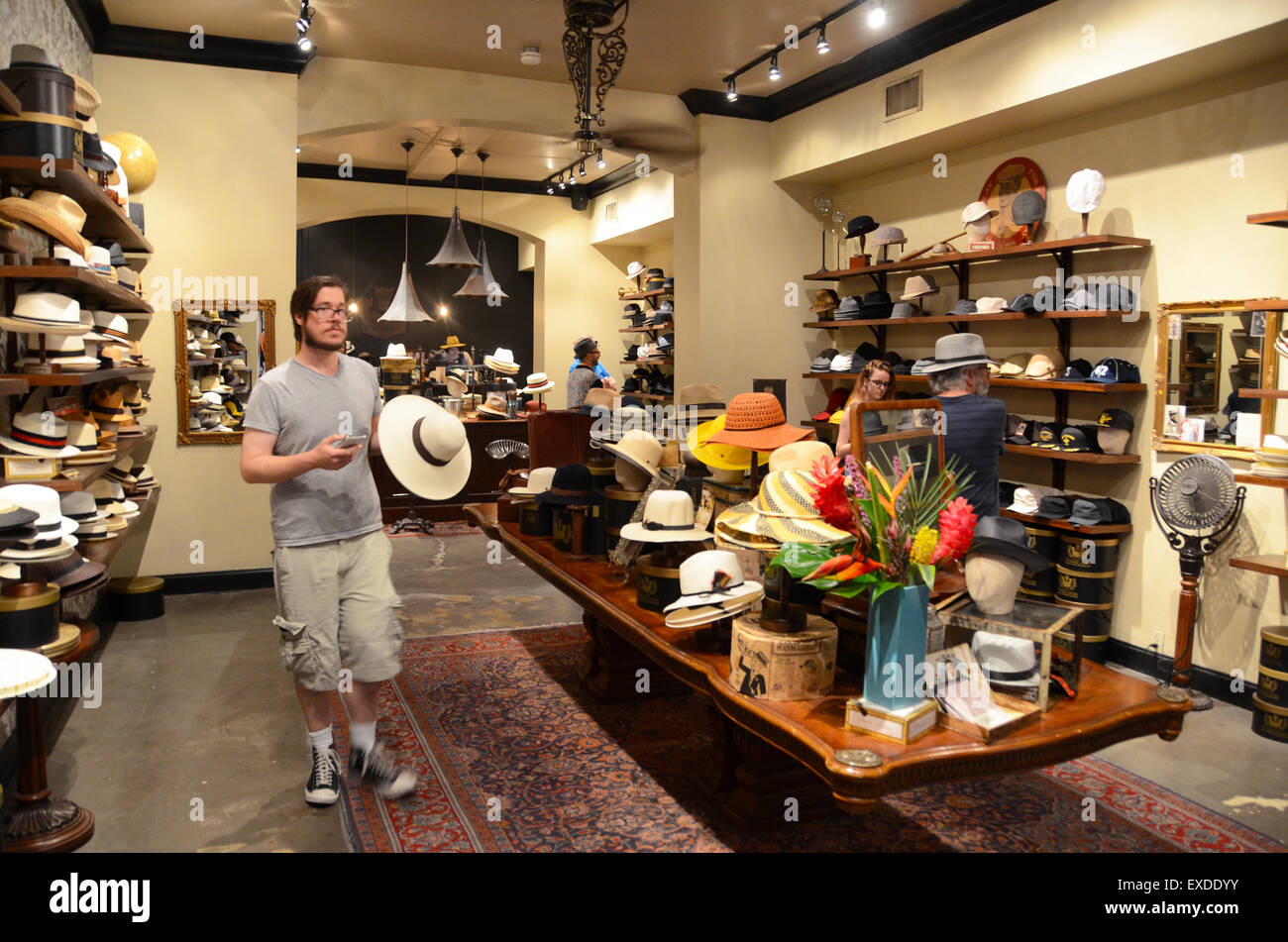 97c0c261afd goorin bros hat shop new orleans Stock Photo  85118879 - Alamy