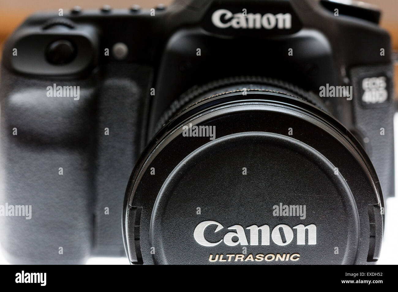 Back of Single lens reflex digital Canon Camera, EOS 40d, front view with 10-22 mm lens - Stock Image