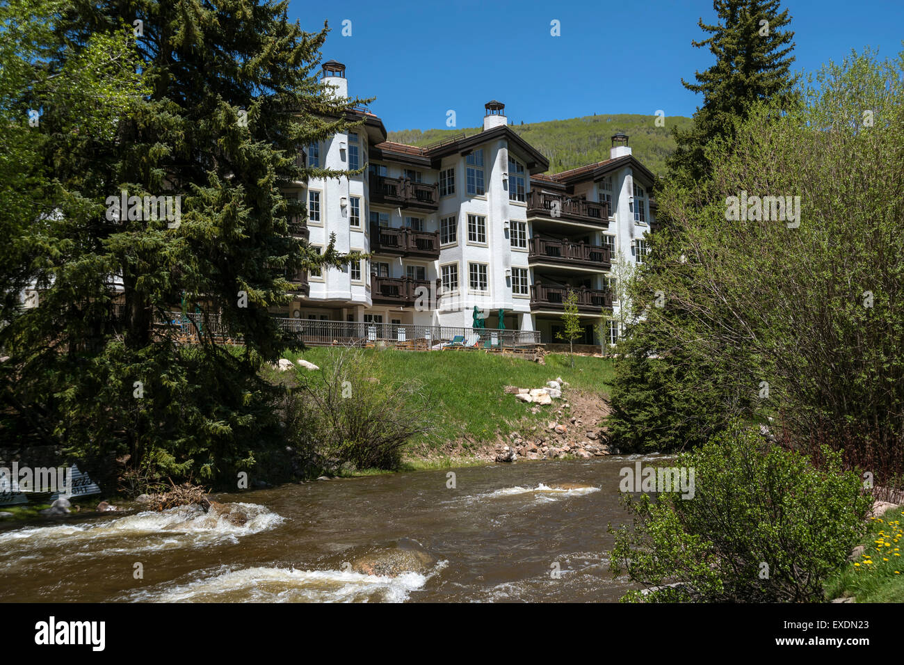 Hotel near river,  Town of Vail , Colorado, USA, North America, United States - Stock Image