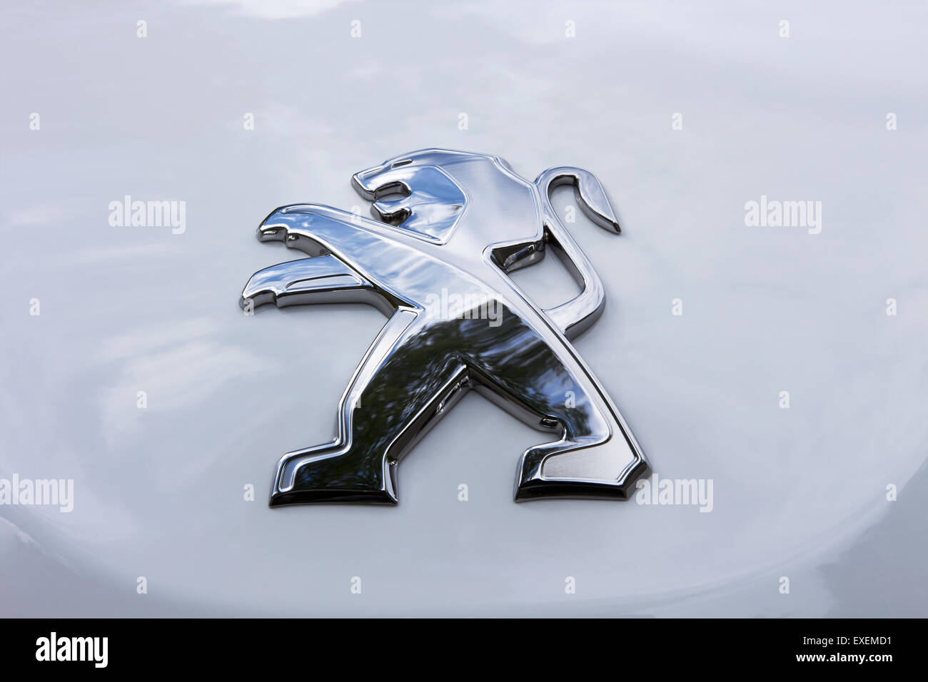Peugeot 208 Emblem On Bonnet Stock Photo 85145901 Alamy