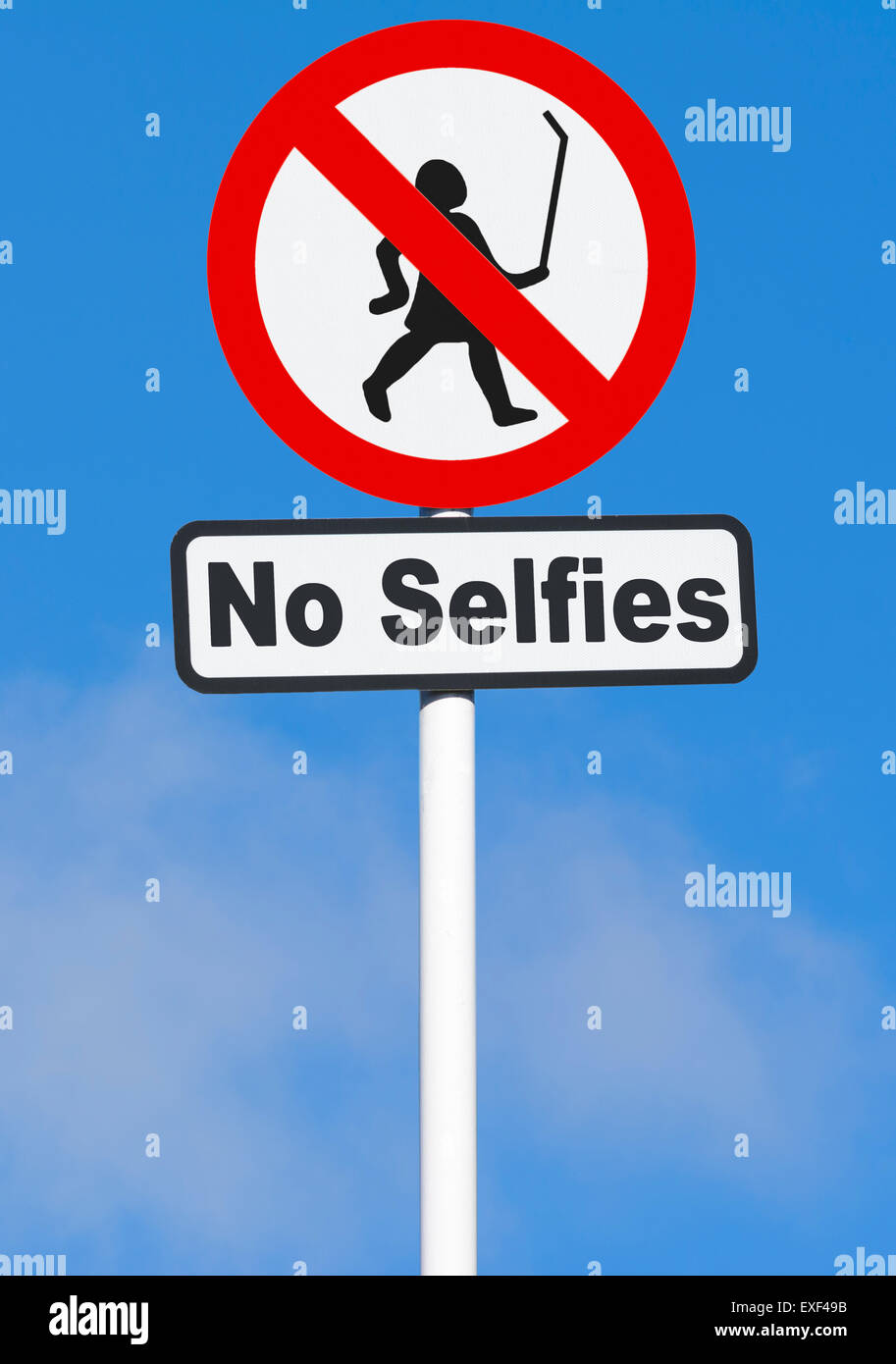 'No Selfies' warning sign. - Stock Image