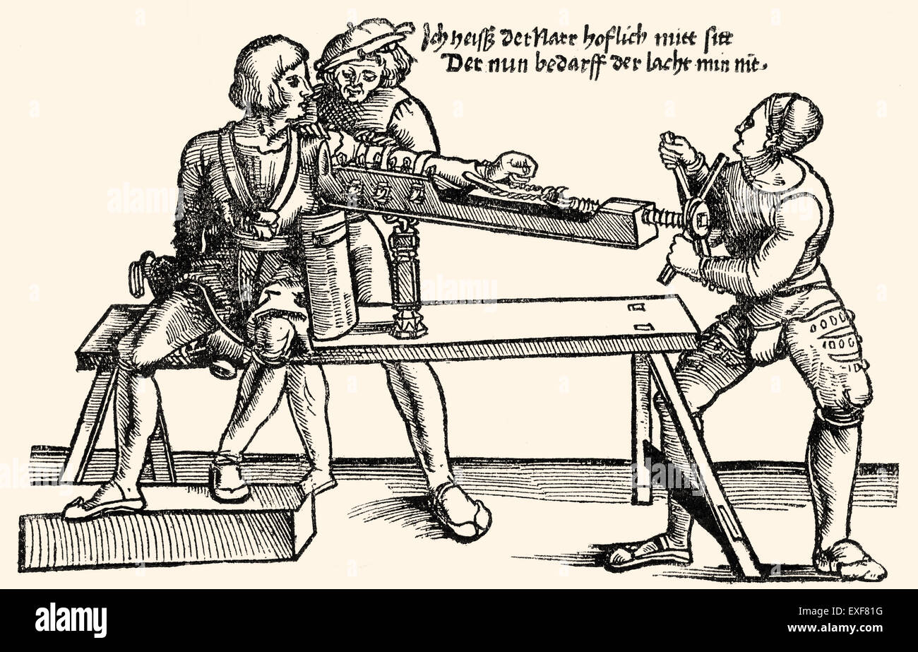Arm extension on a stretching rack, orthopedic therapy, woodcut from 'Feldtbuch der Wundartzney' by Hans - Stock Image