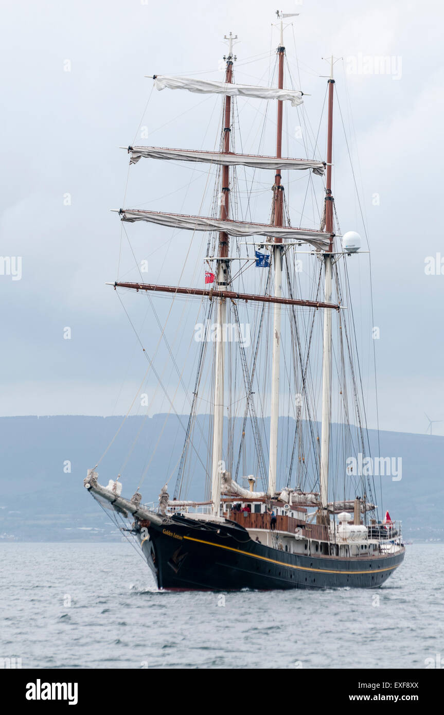 Class B tall ship, Golden Leeuw, leaves Belfast during the start of the 2015 Tall Ships race - Stock Image