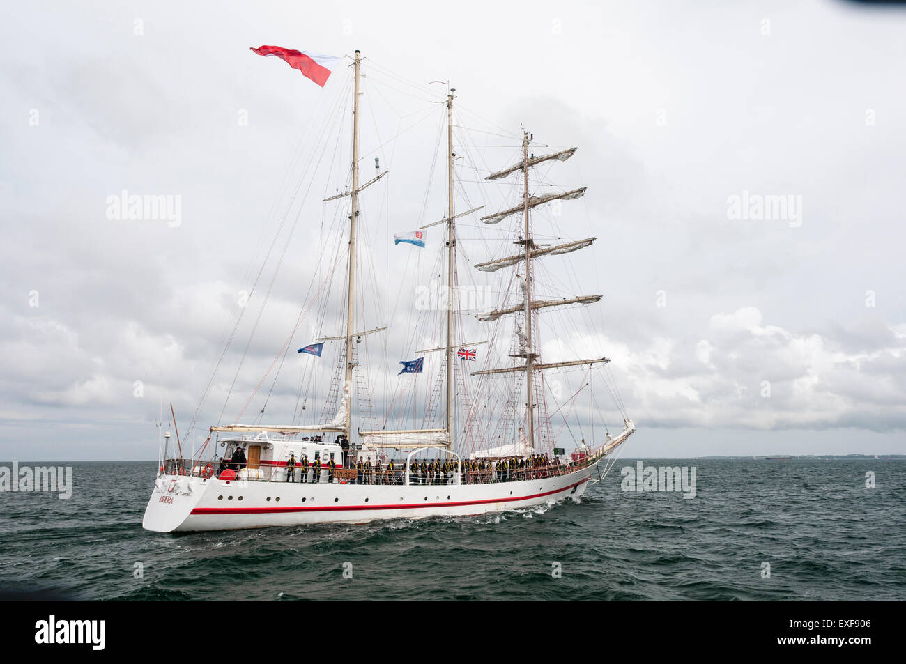 Class B tall ship, Iskra, leaves Belfast during the start of the 2015 Tall Ships race - Stock Image