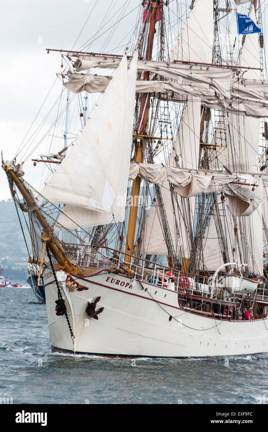 Class A ship Europa sails out of Belfast to start the 2015 Tall Ships Race - Stock Image