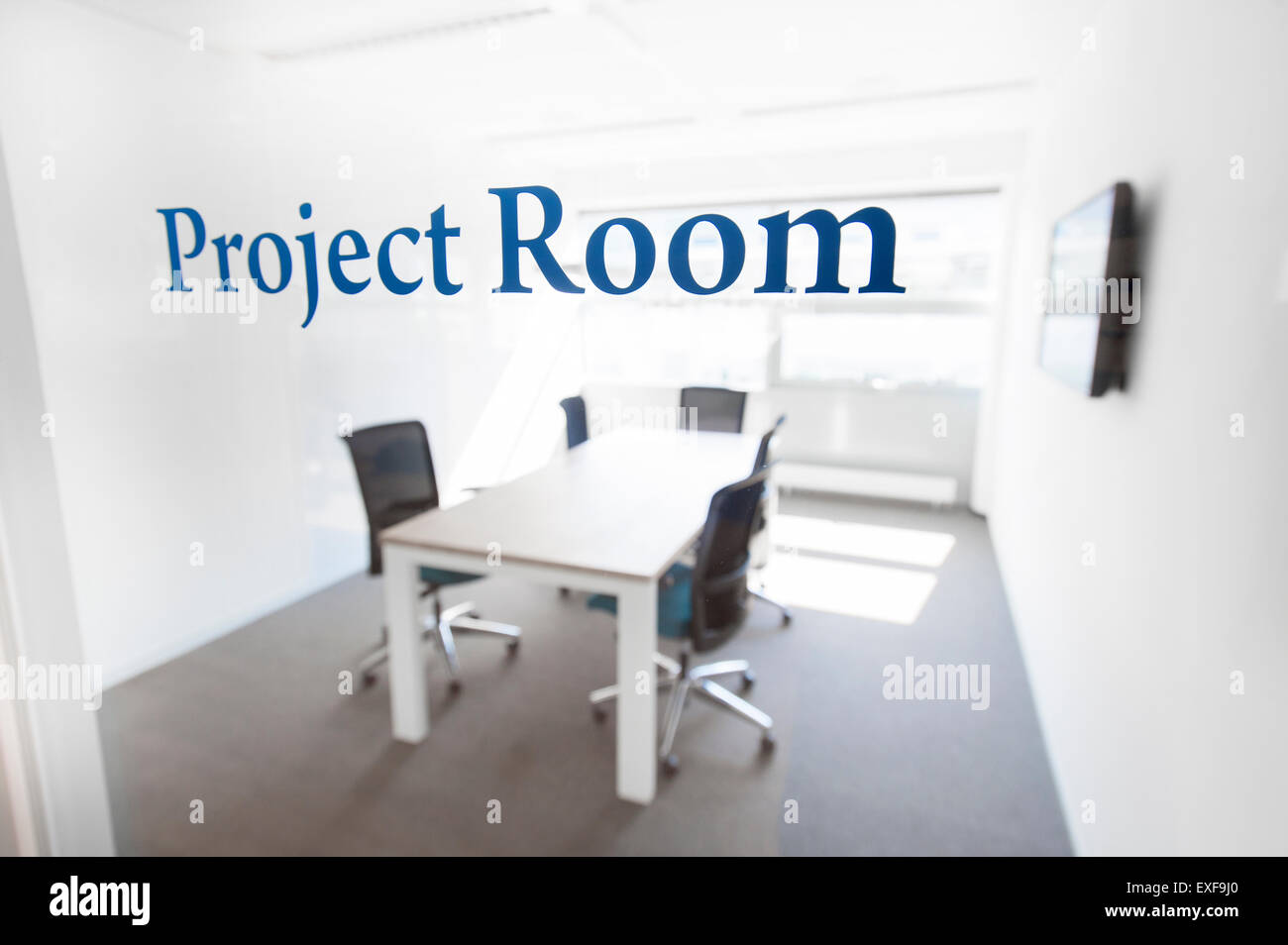 Empty project room, with table and chairs - Stock Image