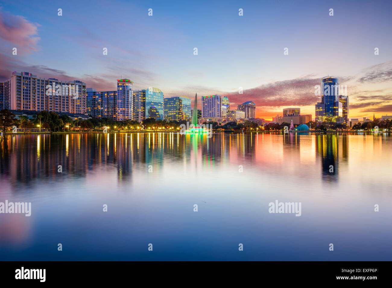 Orlando, Florida, USA downtown city skyline on Eola Lake. - Stock Image