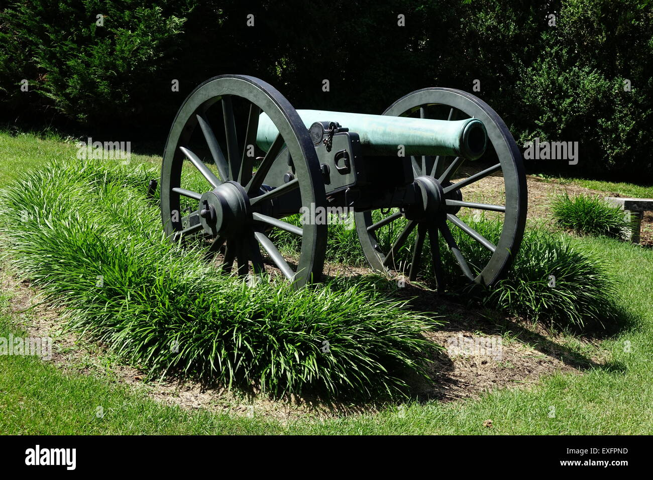Civil war era cannon displayed outside the Stonewall Jackson's Headquarters Museum in Winchester, Virginia - Stock Image