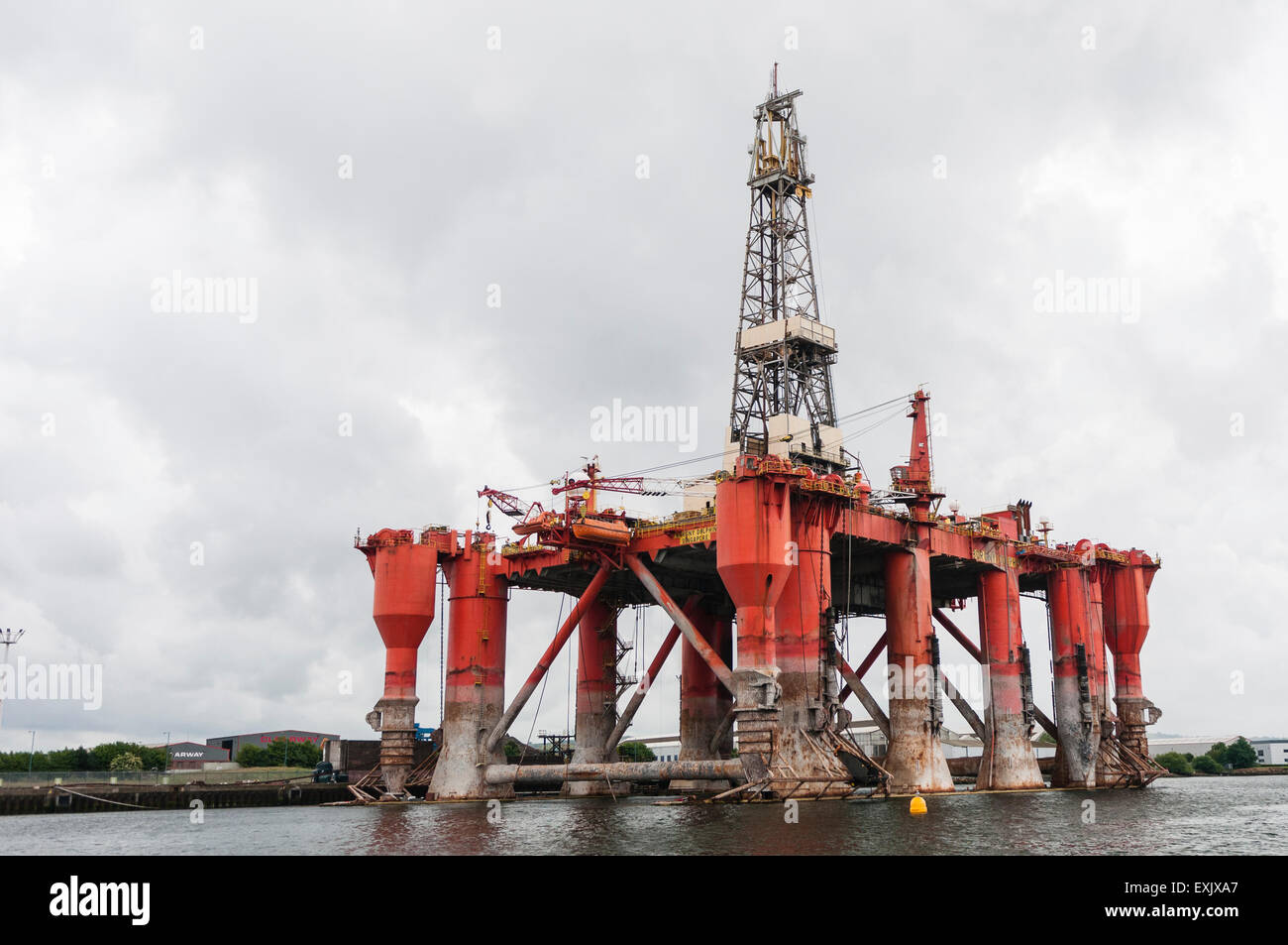 Burgny Dolphin drilling platform in Belfast for repairs. - Stock Image