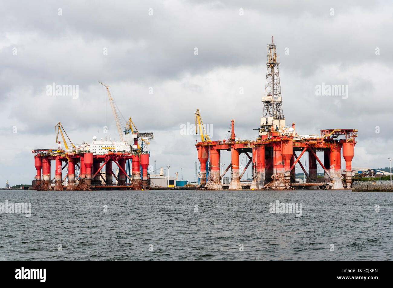 Bryford Dolphin drilling platform and Borgholm Dolphin accommodation platform in Belfast for repairs. - Stock Image