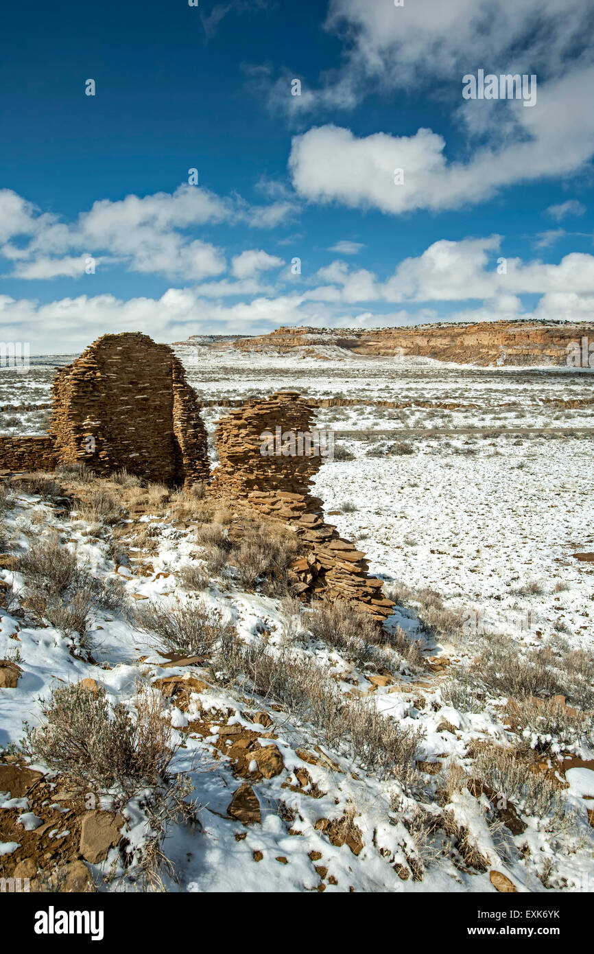 Una Vida ruins under snow, Chaco Culture National Historical Park, New Mexico USA - Stock Image