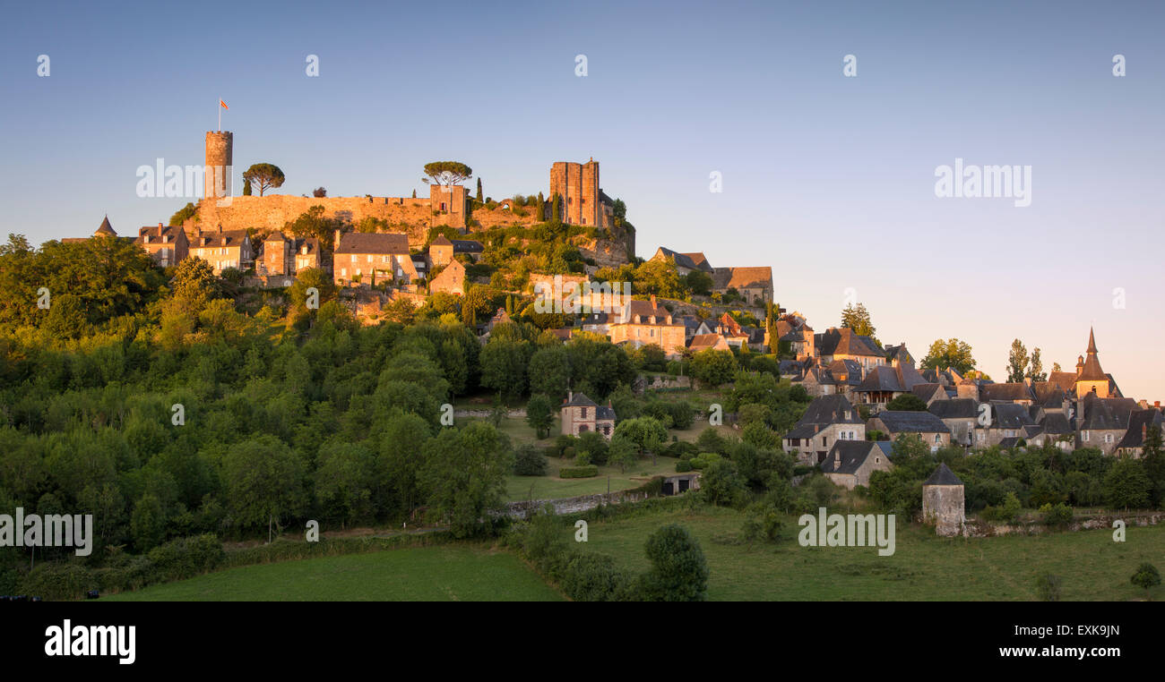 Evening sunlight on medieval town of Turenne, Limousin, Correze, France - Stock Image