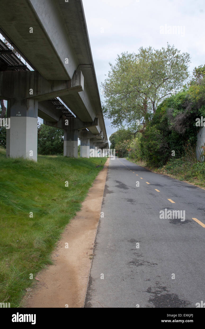 The bike and walking path along side the BART tracks in El Cerrito, California. - Stock Image