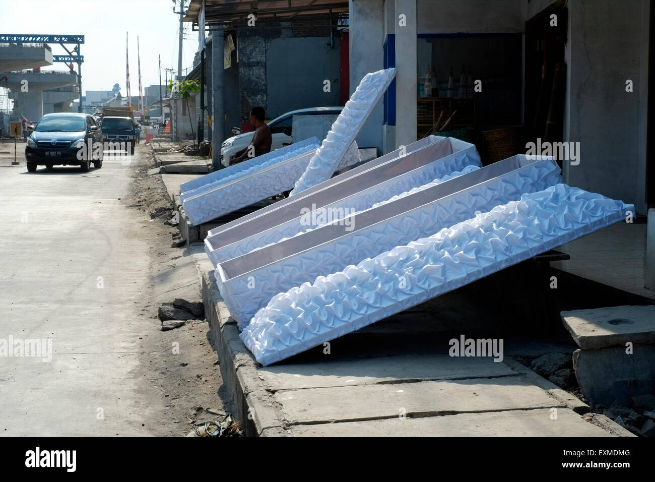 Unusual Coffin Stock Photos & Unusual Coffin Stock Images - Alamy