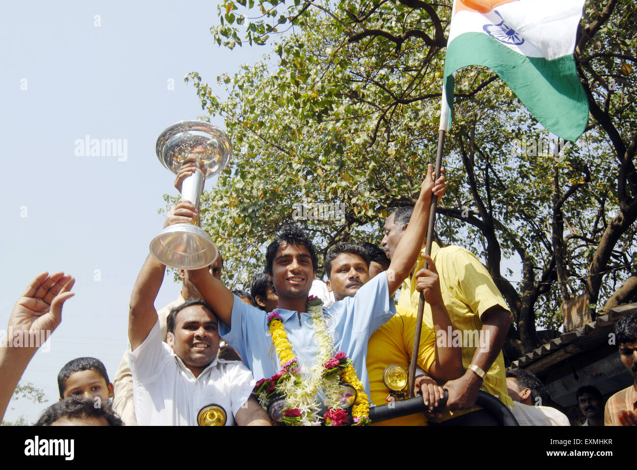 Left arm spinner Iqbal Abdulla being welcomed after winning the U 19 Cricket World Cup; Bombay now Mumbai - Stock Image