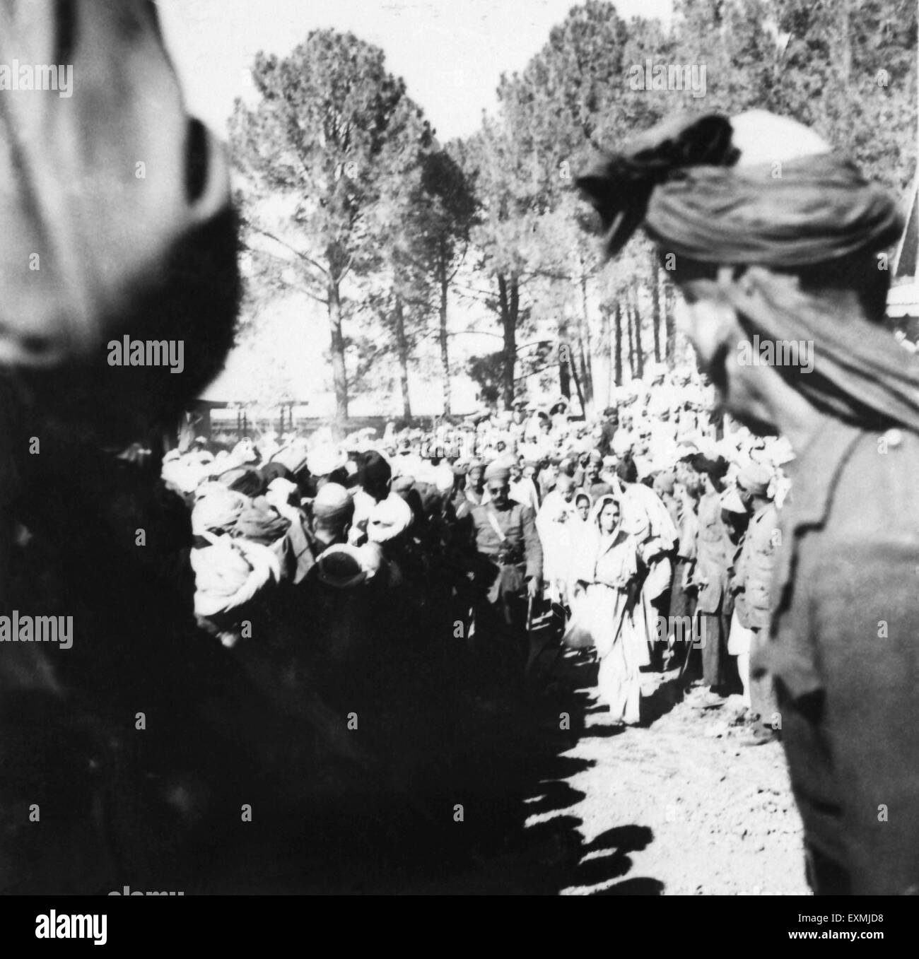 Mahatma Gandhi in midst of crowds during his visit to the North West Frontier Provinces to Afghanistan ; October - Stock Image